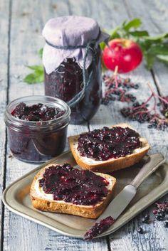 Džem z čiernej bazy s jablkami Slovak Recipes, Dips, Home Canning, Butter, Sweet Desserts, Food Photo, Food Pictures, Preserves, Sugar Free