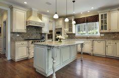 белая классическая кухня - Поиск в Google