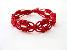 PATTERN Red Lacy Macrame Knotted Bracelet Tutorial