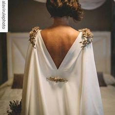 #Repost @alavirulephoto with @repostapp ❤ vestido @valenzuelaatelier con apliques de @cmmayz ❤  #bride #weddingdress #wedding #weddingblog #weddinginspo #weddinginspiration #style #stylishbride #stylishwedding #bridaldress #love #weddingday #weddingphotographer #purelove #session #inlove #boda #vestidodenovia #tendenciasdebodas #fotografpurelove #estilo  #bodasdeinvierno #bodaespaña #bodaespañ...
