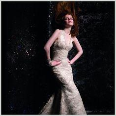 Nuestro vestido joya #Innovias organza bordada en hilo de plata y cristal de #Swarovski corte #sirena y escote #halter http://www.innovias.es/coleccion-sirena-fashion-8.php
