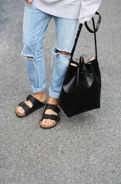 Turned up ripped jeans, baggy jumpers, slouchy leather bags & birkenstocks are a winner. #EveryDayWear
