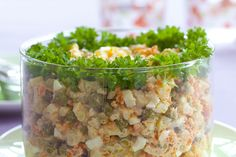 Tradycyjna sałatka warzywna z majonezem – najlepszy przepis