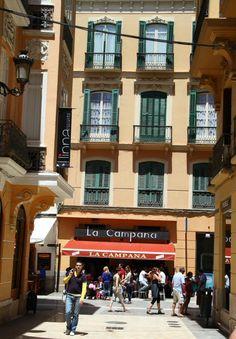 Rincón del centro histórico de Málaga Portugal, Costa, Malaga Spain, Andalucia, Strand, Architecture Design, Street View, Places, Bella