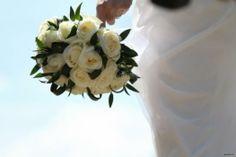 #bouquet di rose bianche Bouquet, Fotografia, Bouquet Of Flowers, Bouquets, Floral Arrangements