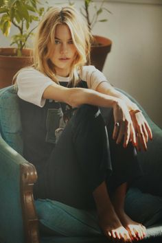 So It Goes Magazine photography: guy aroch   ∆   model: camille rowe