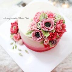 자격증과정 졸업작품^^ . . #수랑아뜰리에 #앙금플라워 #앙금플라워케이크 #앙금플라워자격증  #광명앙금플라워 #서울앙금플라워 #구로앙금플라워 #girlscake #디저트 #cakes #flowercake  #ricecake  #cake #꽃케이크 #desserts #꽃 #flower #koreanricecake #koreanflower #beanpasteflower #koreanstyle #앙금플라워떡케이크 #선팔 #팔로우 #맞팔 #소통 #cakeart #surangatelier