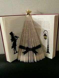 origami book Christmas tree carved in a book Old Book Crafts, Book Page Crafts, Xmas Crafts, Folded Book Art, Paper Book, Paper Art, Cut Paper, Book Christmas Tree, Origami Christmas Tree