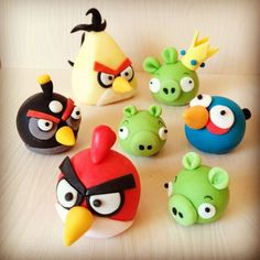 angry birds toppers Fondant Dog, Fondant Animals, Fondant Cake Toppers, Angry Birds Birthday Cake, Bird Birthday Parties, 3rd Birthday, 3d Figures, Fondant Figures, Polymer Clay Projects
