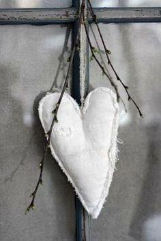 A wonderful, BIG (may not be visible in the picture), beautiful heart of old fine linen with fragrant lavender