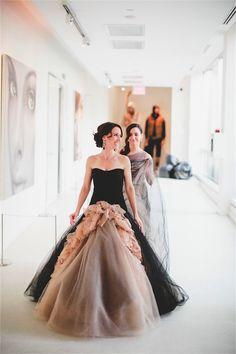 L'atelier Couture bride Anne wearing Vera Wang Joelle photography by Matt Lien