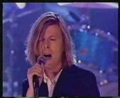 Great interpretation, to me the best version of this fantastic track. David Bowie - This is not America (live from the Beep) BBC.