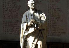"""""""Vive tu vida como una exclamación en lugar de una explicación."""" Isaac Newton, Greek, Statue, Sentences, Quotable Quotes, Live Life, Greek Language, Sculpture, Sculptures"""