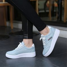 Aliexpress.com: Comprar 2016 Nueva Llegada Mujeres de la Marca de Moda Casual Zapatos de Lona de Las Mujeres Zapatos Planos Ocasionales atan para arriba los zapatos #291 de tapones de zapatos fiable proveedores en YAOYI E-commerce Co., Ltd...