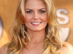 Jennifer Morrison Since October 2011, Morrison had a starring role in ABC's Once Upon a Time. She played the role of Emma Swan, a bail bonds collector who turns out to be the missing daughter of Snow White and Prince Charming. Shades Of Blonde, Blonde Color, Emma Swan, Stretch Mark Cream, Strawberry Blonde Hair, Gorgeous Blonde, Jennifer Morrison, Child Models, Most Beautiful Women