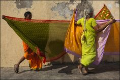 Saris. Dwarka. Gujarat By Claude Renault on 10/10/2010