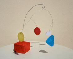 Escultura Alexander Calder Art Lessons For Kids, Projects For Kids, Art For Kids, Art Projects, Mobiles Art, Mobiles For Kids, Alexander Calder, Sculpture Projects, Sculpture Ideas