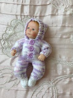 Hand knitted dolls clothes to fit 6 Ooak baby