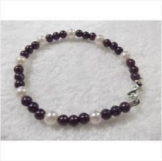 HANDMADE BLACK SMALL PEARL AND WHITE PEARL BEAD BRACELET Listing in the Bracelets,Costume Jewellery,Jewellery & Watches Category on eBid United Kingdom