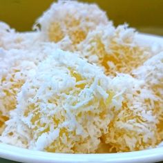 KUEH UBI KAYU (STEAMED TAPIOCA CAKE) Kueh Ubi Kayu is also made from grated tapioca (cassava) like Kueh Bingka but it is steamed instead of baked. It is served with lightly salted steamed grated coconut. Do give this recipe a try by clicking on the video and recipe links below. Also check out my Facebook …