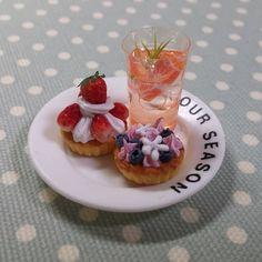 Miniaturefood  신선한 자몽으로 에이드 한잔.  내가 마시고 싶네....지금 당장  #미니어쳐음식 #자몽에이드 #Miniaturefood #miniatures #miniature#handmade #desert #fakesweets #fakefood