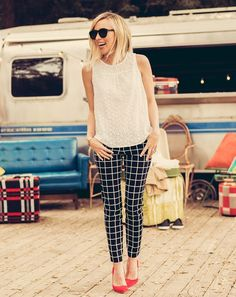 summer outfit ideas for work: black and white plaid pants with white blouse and red pumps