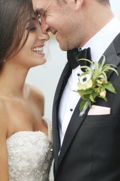 Cute close up: http://www.stylemepretty.com/2015/06/21/romantic-stone-harbor-wedding/ | Photography: Alison Conklin - http://alisonconklin.com/