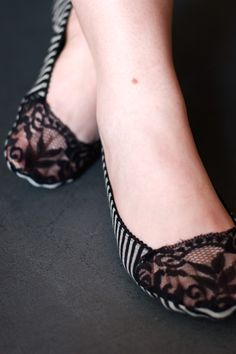 oooohing & ahhhhing! - Stripey no-show socks with lacey toes - perfect for peep-toed pumps!