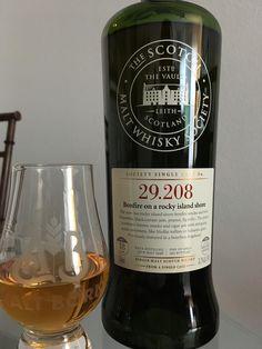Review #50: Laphroaig 18 Yr. - SMWS 29.208 #scotch #whisky #whiskey #malt #singlemalt #Scotland #cigars
