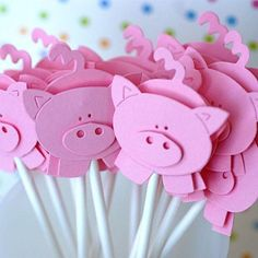 Little Piggy Cupcake Toppers - artesanato bichinhos - Piggy Cupcakes, Cute Cupcakes, Pig Crafts, Crafts For Kids, Paper Crafts, Pig Party, Farm Party, Three Little Pigs, This Little Piggy