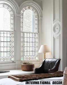 How to use molding in the modern interior