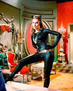 ef7f4efa8 Chicas de accion Batman 1966