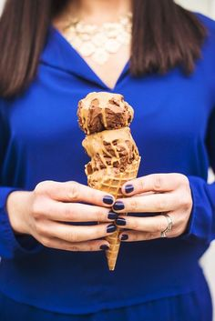 Made with just two simple ingredients: natural peanut butter and coconut oil, this homemade peanut butter magical shell isthe easiest ice cream dessert recipe you'll ever make.
