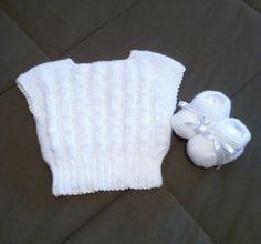 colete e sapatinho brancos