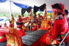Desa Wonosobo terdapatkerajinan pembuatan gamelan danukiran gamelan, di Desa Aliyanterdapat kerajinan monte, anyamanbambu, dan pembuatan kostumkesenian tradisional. Tours