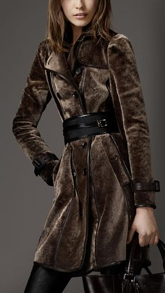 Long Shearling Trench Coat | Burberry - very classy...