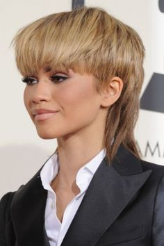 Zendaya on Grammys 2016 Mullet Hairstyle - Pret-a-Reporter