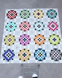 Sewing a scrap quilt? Check out this post for some scrappy quilt ideas. Scrappy Quilt Patterns, Scrappy Quilts, Quilt Blocks, Quilting Ideas, Rainbow Blocks, Warm Colors, Fabric Scraps, Layout, Sewing