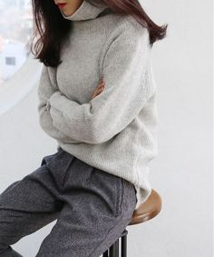 Winter style | Grey turtle neck sweater and trousers,