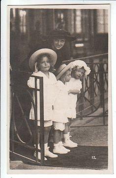 Zita and children
