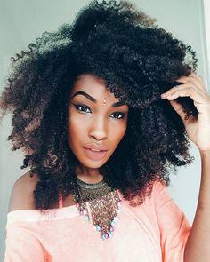 - V_Luma   San † ana (@velumasantana) Afro hair. Kinky curly hair. Natural hair. Big hair.