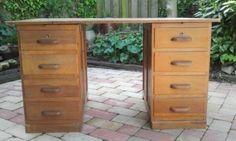 Oud houten bureau - Bieden
