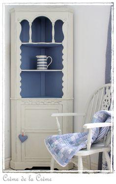 white corner display cabinet