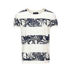 stylish printed t-shirt, Whisper White Moda Converse, Printed Shirts, Tee Shirts, Camisa Floral, Mode Man, Independent Clothing, Custom Made T Shirts, Marken Logo, Camisa Polo