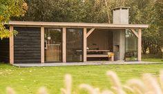 Inspirational ideas for the perfect luxury garden and luxury outdoors. Outdoor Kitchen Patio, Outdoor Living, Outdoor Decor, Pergola Patio, Backyard Patio, Garden Villa, Home And Garden, Sauna Design, Backyard Shade