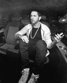 Eminem Eminem Rap, Eminem Memes, Marshall Eminem, Eminem Wallpapers, Best Rapper Ever, Hip Hop, The Real Slim Shady, Eminem Slim Shady, Sexy Beard