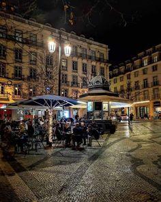 Lisboetas Ponte Nova, City Lights, Lisbon, Street View, Earth, Instagram, Brick Homes, Gazebo, Lisbon Portugal