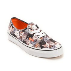 Support a great cause while having fun with your style with the eye-catching Vans x ASPCA Authentic Cats shoe. A low-profile canvas shoe with an all-over ASPCA cats print on a vulcanized outsole with a cushioned orange footbed and Vans waffle tread patter