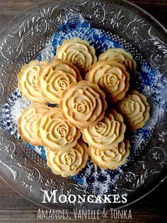 Des petits biscuits délicieusements parfumés pour accompagner le thé ou le café de l'après midi... ça vous dit? Allez, servez vous je vous les offre Pour environ 37 biscuits: Ingrédients: 150gr de beurre 110gr de sucre glace 1 oeuf 1 gousse de vanille... Mango Cheesecake, Honey Cake, Pasta, Cookie Bars, Apple Pie, My Recipes, Goodies, Sweets, Baking