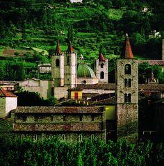 Ascoli Piceno - Italy- A magical town!  the food, the wine , the shops...the Italians! La dolce vita!